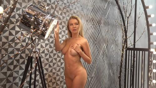 Mari Avhatova art nude