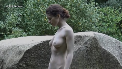 Art video: Dolmen woman by Amit Bar