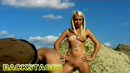 Lea Tyron and Carmen Croft  – Backstage 01